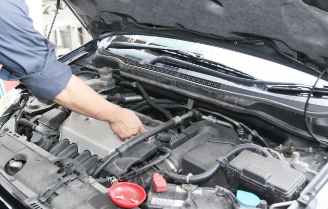 車のメンテナンスは重要 空気圧チェック、オイル交換、エコタイヤに交換